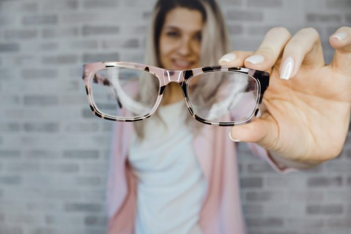 switching from glasses to contact lenses