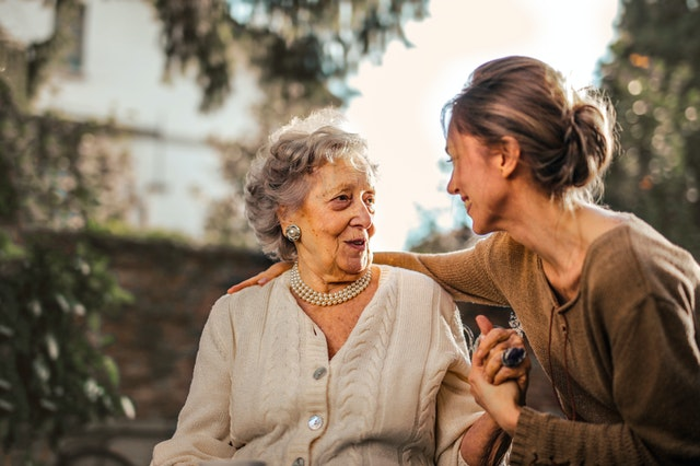 How to Share Caregiving Responsibilities with Family Members